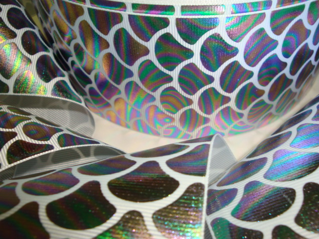 "3"" * PRISM * HOLOGRAM MERMAID SHELLS - 5 YARDS"