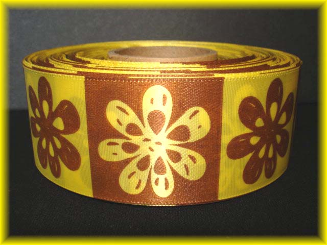 1.5 OFFRAY TIKI FLOWERS YELLOW BROWN 5YD