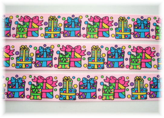 7/8 PARTY PRESENTS BIRTHDAY PINK - 5 YARDS