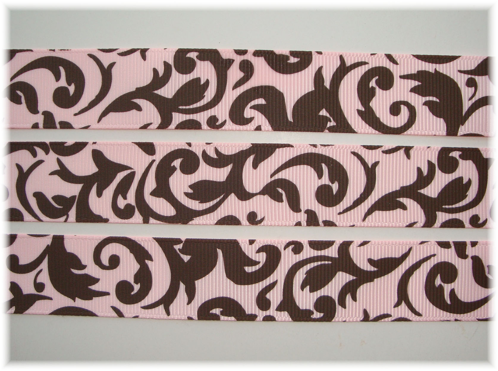 7/8 DAMASK SCROLL PINK/BROWN - 5 YARDS