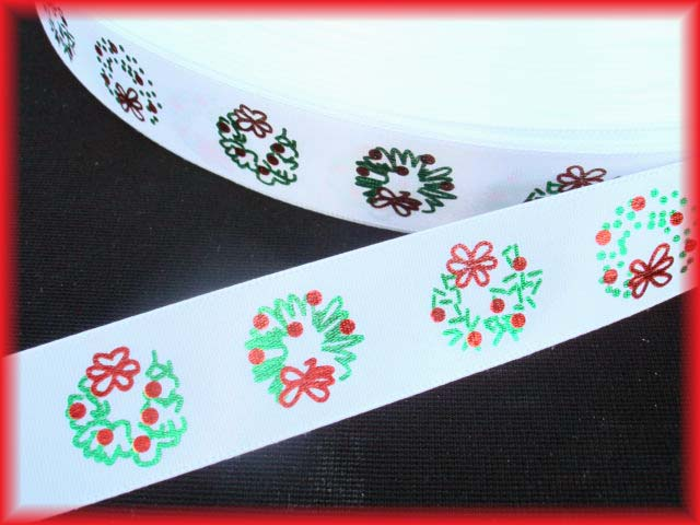 7/8 OFFRAY WHITE CHRISTMAS WREATH SATIN - 5 YARDS