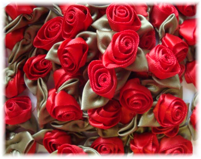 12PC RED BARREL ROSEBUD EMBELLISHMENTS