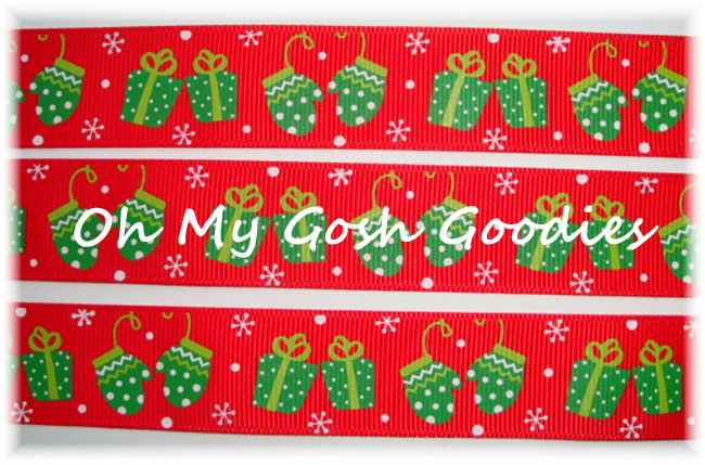 7/8 CHRISTMAS MITTENS & PRESENTS RED - 5 YARDS