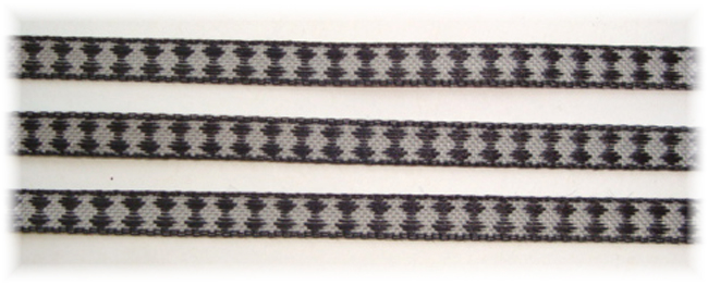 1/4 BLACK WHITE JESTER DESIGN - 5 YARDS