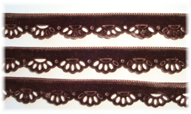 BROWN VELVET SCALLOPED TRIM - 5 YARDS