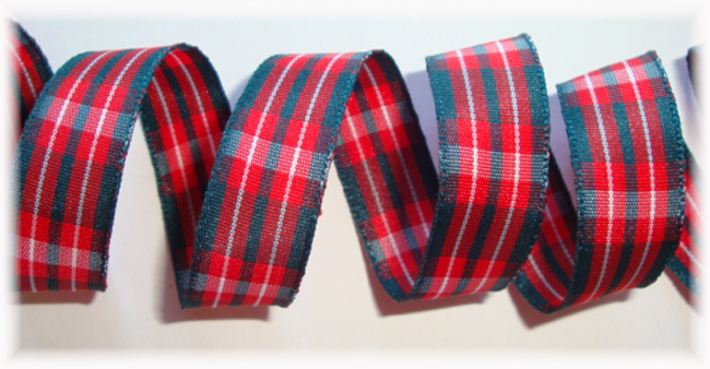 5/8 HOLIDAY CHRISTMAS TARTAIN PLAID - 5 YARDS