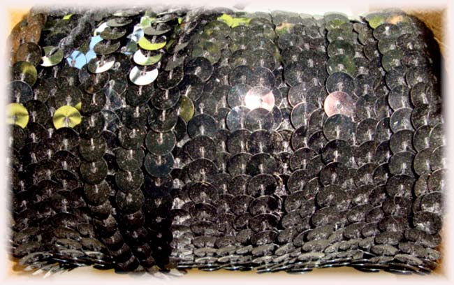 "BLACK SINGLE SEQUIN STRAND 1/4"" - 10 YARDS"