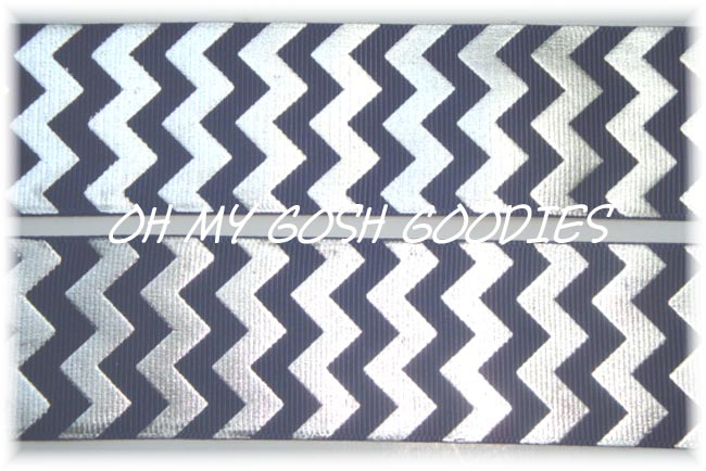 1.5 NAVY SILVER FOIL CHEVRON - 5 YARDS