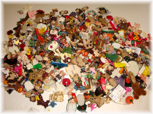 300+ PIECE SALE HAIRBOW RESIN CENTER LOT