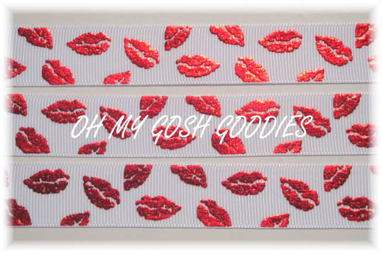 7/8 OOAK RED FOIL SMOOCHIE LIPS WHITE - 5 1/2 REMNANT YARDS